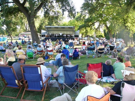 Stockton CA, Concert in Victory Park